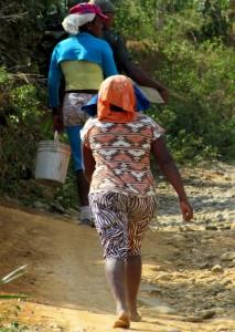 A pesar del alto riesgo, la mina con¬tinúa representando una alternativa para obtener ingresos a pobladores de la zona.