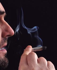 La droga, un mal parcial para jóvenes